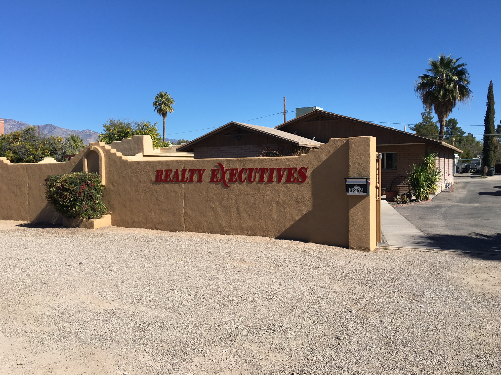 Realty Executives Tucson (Country Club)
