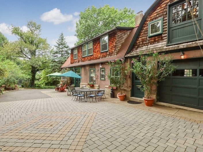 Selling An Older Home in Montclair