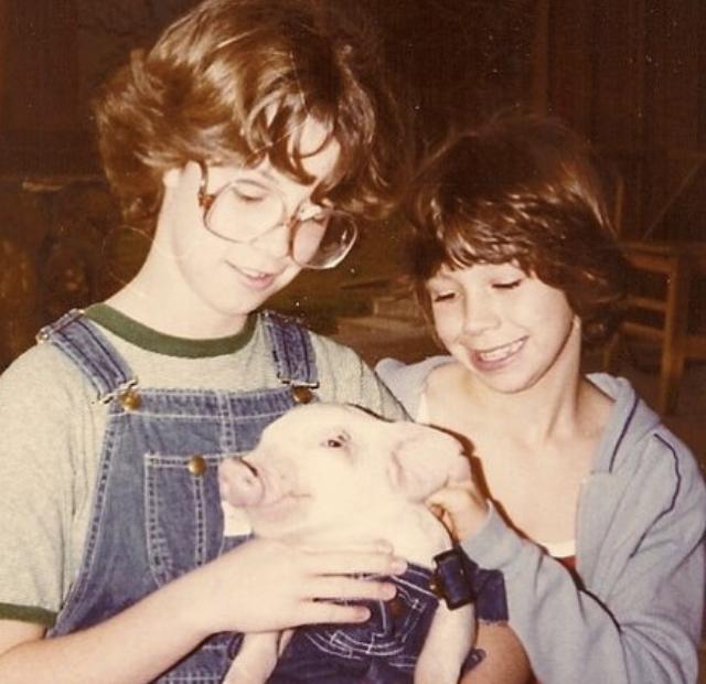 4-H Pic of Ellen & Bizzy- cutest pig contest